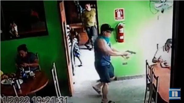 Así asesinaron a jefe de mafia fronteriza en restaurante de Maracaibo | Foto: Captura de video