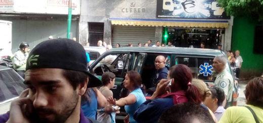 Al menos 5 personas heridas dejó explosión en Chacao   Foto: @AlfredoJimenoR