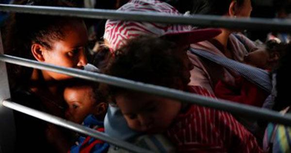 Perú repatrió a nueve de sus ciudadanos que vivían en la indigencia en Venezuela