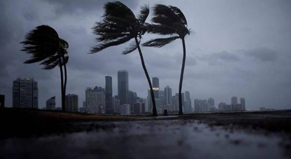 Huracán Irma llega a Florida  Foto cortesía