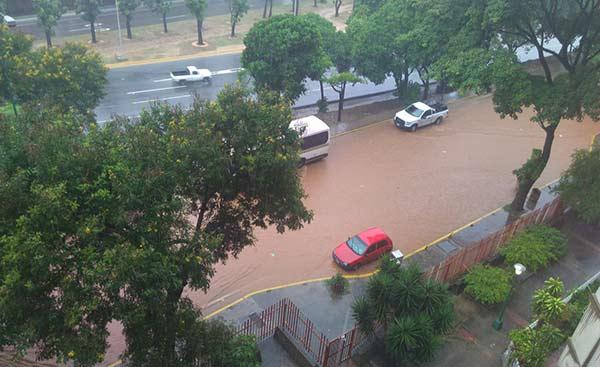 Lluvias en Caracas genera caos |Foto Twitter