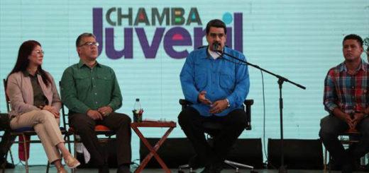 Maduro aumentó incentivo del Plan Chamba Juvenil | Foto: Archivo