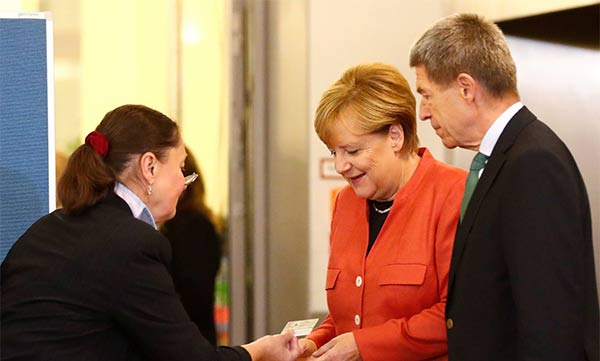 Angela Merkel vota este domingo  Foto cortesía