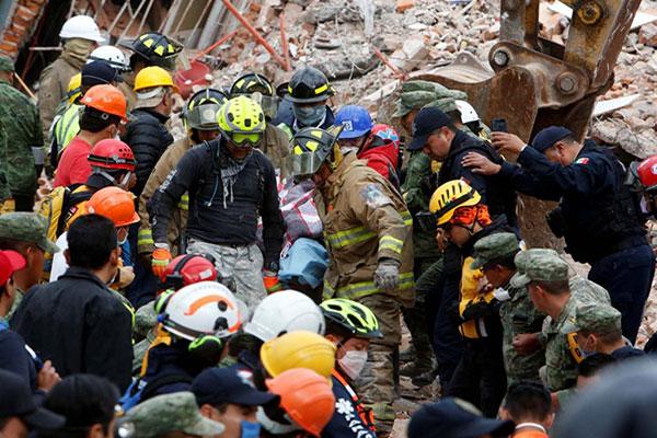 Se complica rescate de niña atrapada en escuela que se derrumbó en México | Foto: Reuters