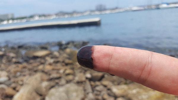 Derrame de aceite llega al mar en Margarita | Foto: Twitter