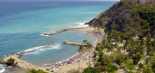 Extraño fenómeno natural mantiene asombrados a turistas en playa de Vargas | Foto cortesía