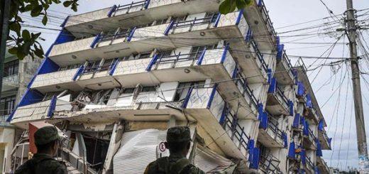Edificio caído tras terremoto, México   Foto: Matías Romero