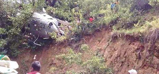 Helicóptero con ayuda se desploma | Foto: Twitter