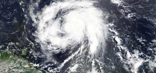 Imagen del huracán María, de un satélite de la NASA, a unas 85 millas de Martinica. 17 de septiembre de 2017. NASA/ Vía Reuters