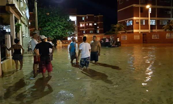 Puerto Cabello en emergencia tras desbordamiento de tres ríos | Foto: Twitter