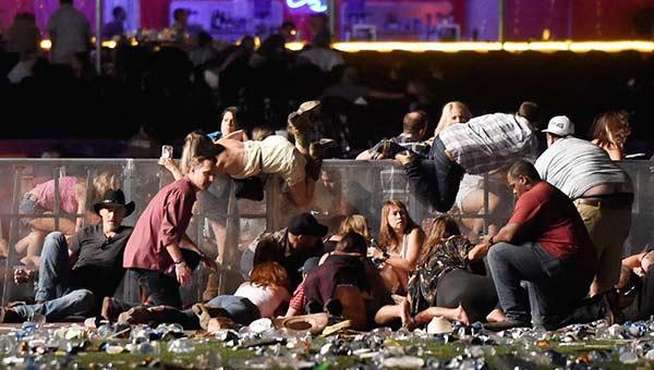Al menos 50 muertos en Las Vegas en el tiroteo más sangriento en historia de EEUU | Foto: AFP