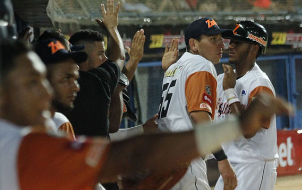 Águilas dejó en el terreno a Magallanes en la jornada inaugural de la LVBP   Foto: AVS