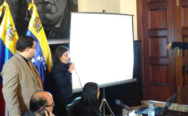 Liliana Hernández, desde la Asamblea Nacional (AN)   Foto: @AsambleaVE