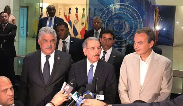 Mediadores del diálogo en República Dominicana | Foto: EFE