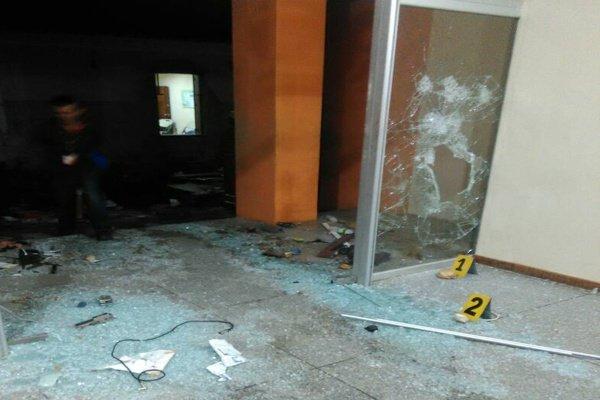 Destrozos en la Alcaldía de Los Teques   Foto cortesía