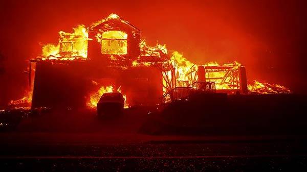 Fuerte incendio en California |Foto: AP