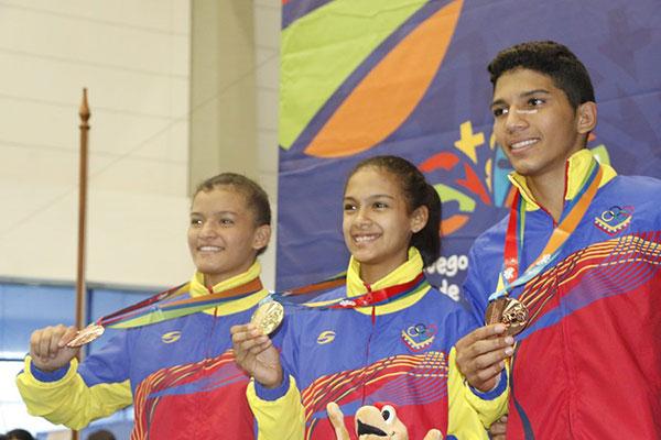Judocas venezolanos ganan una de oro y dos de bronce en Suramericanos de la Juventud | Foto: @OfficialCOV