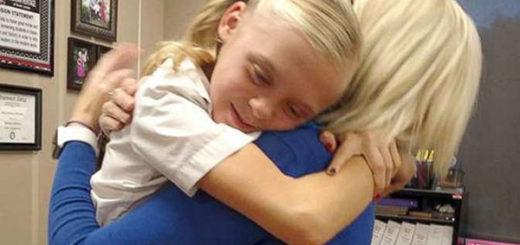Momento en que Tannah Butterfield, de 11 años, se enteró de que iba a ser adoptada | Foto: BBC News