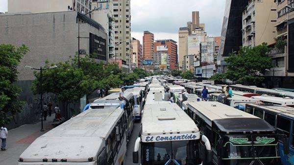 Transporte venezolano en caos   Foto: Referencial