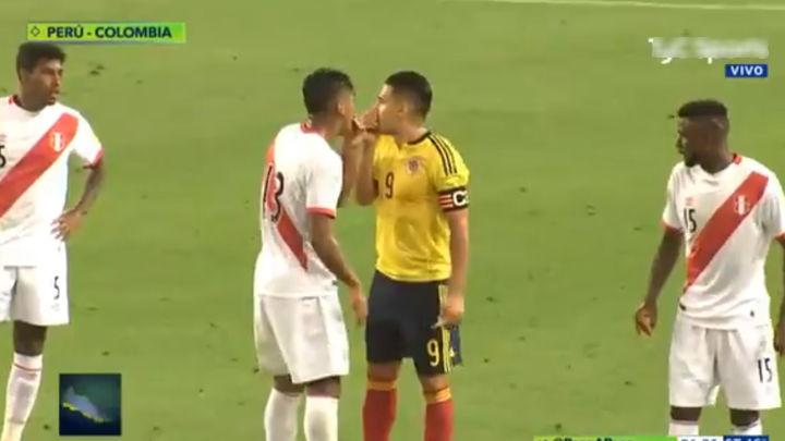 """Peruanos y colombianos podrían haber """"acordado"""" el resultado del juego  Foco cortesía"""