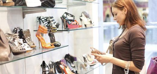 La compra de zapatos se ha vuelto todo un lujo | Foto referencial