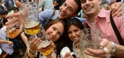 Beber alcohol te ayuda a hablar un segundo idioma con mayor facilidad | Foto refenrecial