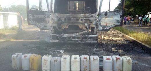 Camión quemado   Foto: Panorama