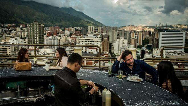 Poco a poco y pese a los graves problemas, los venezolanos recuperaron cierta normalidad| Getty Images
