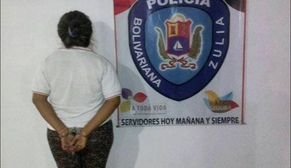 Mujer detenida por quemar a su hija de 5 años | Foto: Noticiaaldia