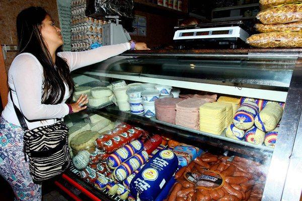 Precios de embutidos subieron más del doble en un mes | Foto referencial