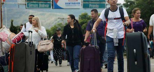 Venezolanos llegan a Cúcuta tras cruzar el puente internacional Simon Bolivar | Foto: Reuters