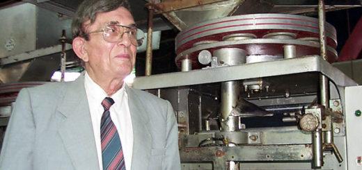 El inventor grecovenezolano Harry Petyhakis en su fábrica de Maracaibo, Venezuela, 9 de agosto de 2000. | Foto Diario Panorama