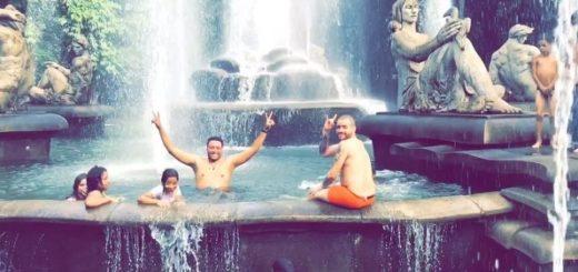 Nacho bañándose en una fuente de agua en Caracas | Captura de video
