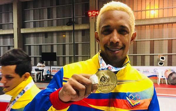Antonio Leal, ganador de una de las presea de oro |Foto Twitter