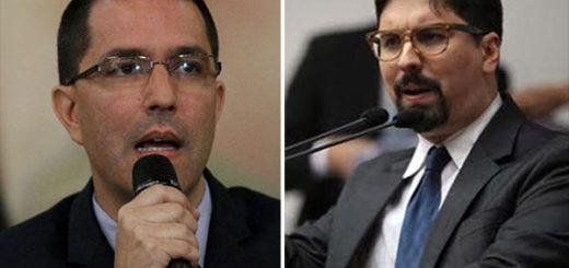 Arreaza arremetió contra Guevara por pedir asilo en la Embajada de Chile en Caracas | Composición: NotiTotal