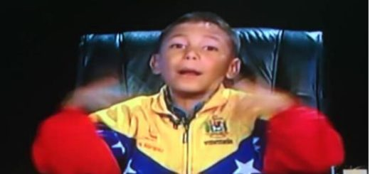 Niño habla de política en Zurda Konducta |Captura de video