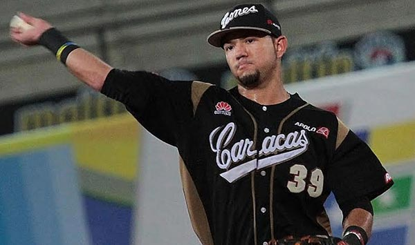 Javier Betacourt, pelotero de los Leones del Caracas | Foto: LVBP
