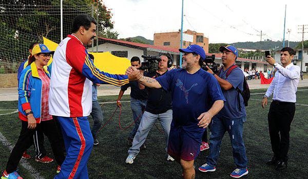 Diego Maradona y Nicolás Maduro | Foto: @DPresidencia
