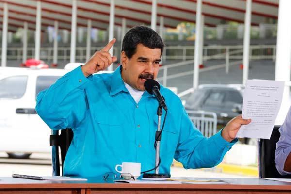 Maduro aprobó Carnet Nacional Estudiantil para beneficiar a la juventud | Foto: Prensa Presidencial