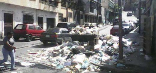 Basura en Catia   Foto: El Nacional