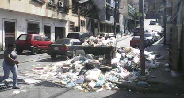 Basura en Catia | Foto: El Nacional