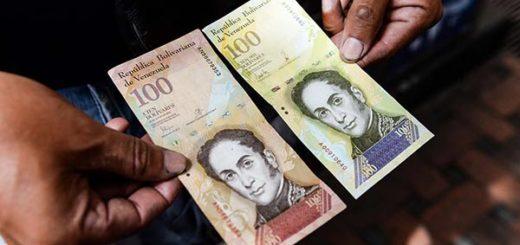 La inflación se come al nuevo billete de 100 mil bolívares |Foto: AFP