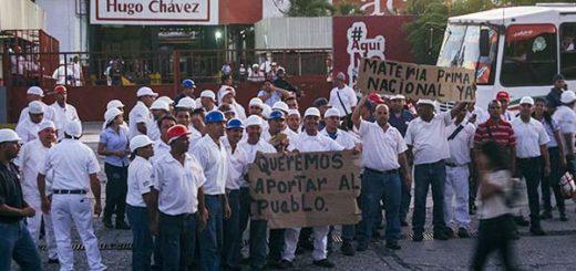Trabajadores de Los Andes protestan por falta de materia prima | Foto: El Impulso