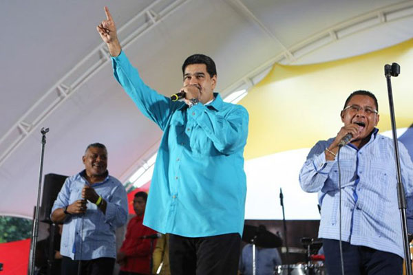 Nicolas Maduro sorprende al mundo
