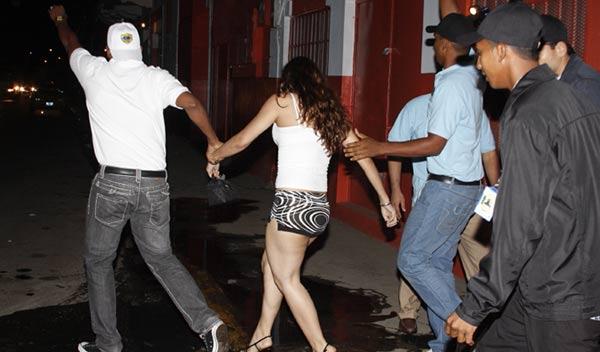 Mujer rescatada en Panamá | Foto: Panamá América