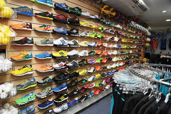 Precio de un par de zapatos Adidas es infartante (+Fotos)