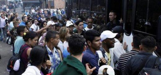 Colas y colas en frontera con Colombia |Foto: El Tiempo