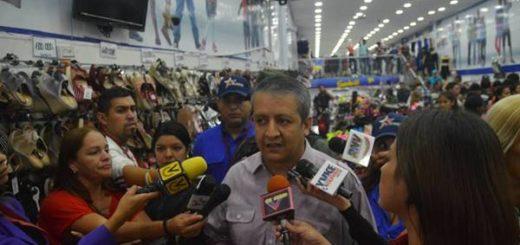 Sundde ordena 50% de descuento en productos de la cadena Sevens | Foto cortesía