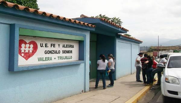 Escuelas de Fe y Alegría fueron asaltadas estando en custodia por el Plan República | Referencial