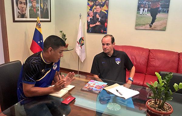 Kenneth Zseremeta se reunió con el ministro Pedro Infante tras su destitución | Foto: Pedro Infante